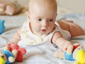Ребенок в 4 месяца мычит