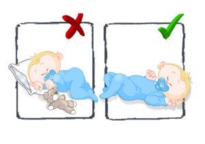 В какой позе класть новорожденного спать