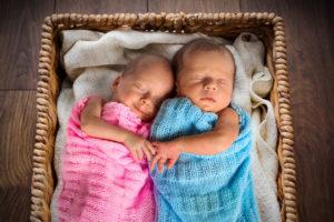 Во сне родить тройню две девочки и мальчик