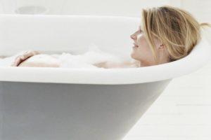 Можно ли беременным ванну с солью принимать ванну
