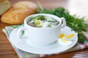 Можно ли есть щавелевый суп при грудном вскармливании