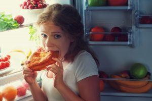 Ребенок ест ночью чаще чем днем