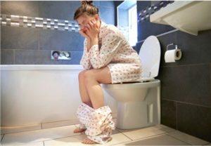 Можно ли терпеть в туалет при беременности