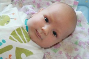 Почему у двухмесячного ребенка текут слюни