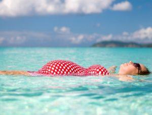 К чему снится беременной плавать в воде