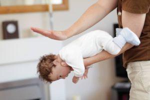 Первая помощь когда ребенок подавился