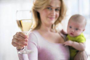 Выпила вина при грудном вскармливании когда можно кормить