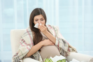 При беременности чихать больно