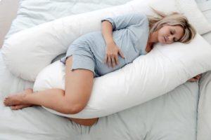 Можно ли спать на правом боку при беременности