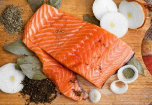 Кормящей маме красная рыба