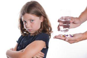 Ребенок выплевывает лекарство что делать