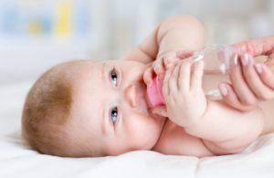 Допаивание водой при искусственном вскармливании