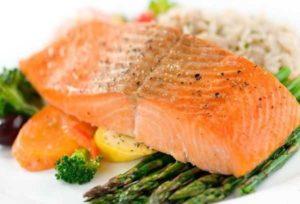 Можно ли кормящей маме рыбу красную соленую рыбу