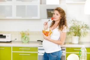 Почему хочется есть перед родами